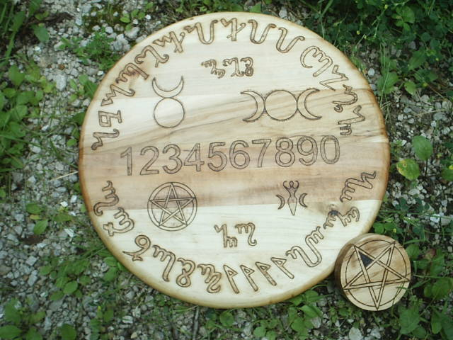 Theben Language of the Witches