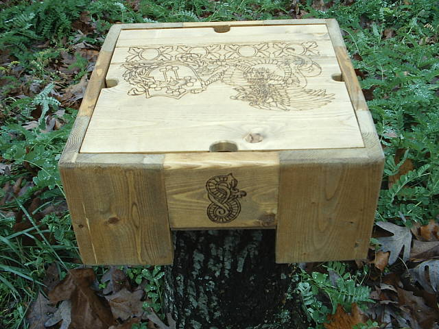Rear design of the griffen fantasy box